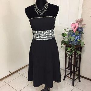 White House Black Market Strapless Dress (E1)